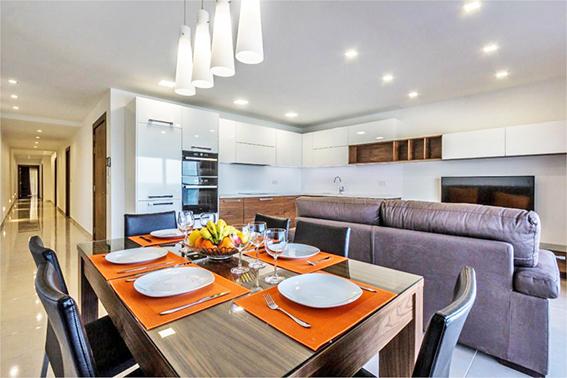 malta-sliema-appartamento-fronte mare-cucina A6